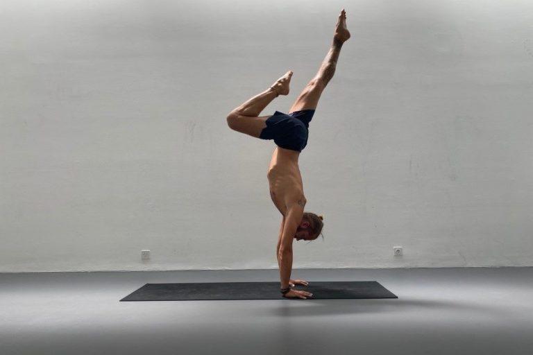 Lars doing a handstand